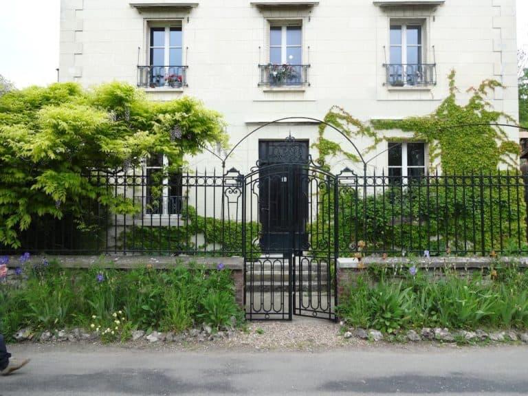 בגיברני, מלונות ומסעדות לטיול מושלם בגיברני צרפת