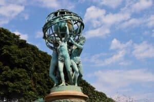 מזרקת ארבעת חלקי העולם פריז מאת קרפו צילום: ניר יבלונקה