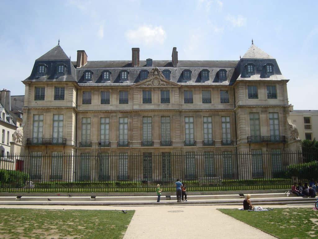 מוזיאון פיקאסו פריז: שיר הלל לאומן המפורסם