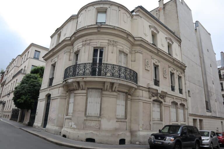 Cité Malesherbes, Cité Malesherbes- הרחוב הפרטי עם הבית הצבעוני