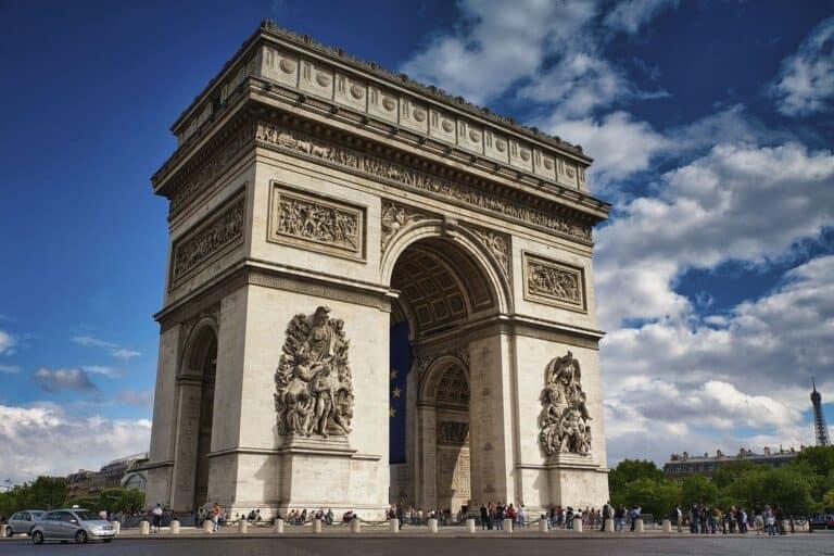 שער הניצחון פריז, שער הניצחון פריז- סיפורו של אייקון צרפתי