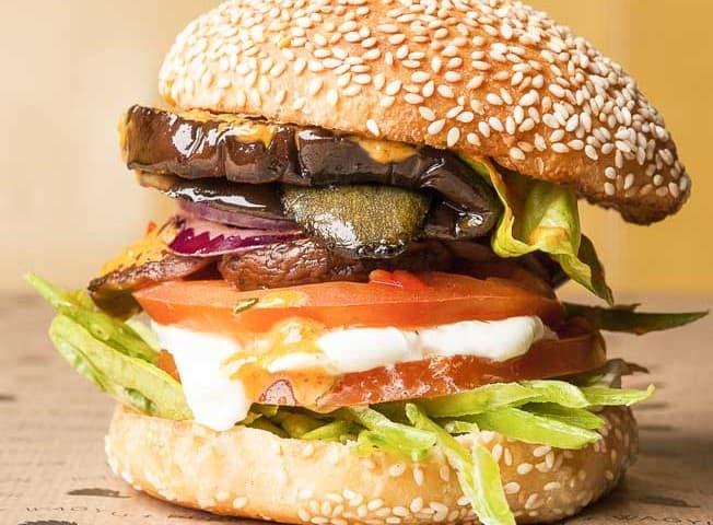 10 המבורגרים מומלצים בפריז למטייל הרעב